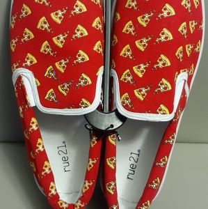 Fun Pizza Loafers NWOT SZ 12